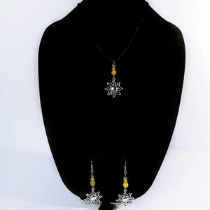 Sun theme necklace/earring set yellow agate